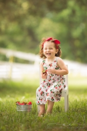 Strawberry Themed Session by Richmond, VA family photographer Anika Colombo Photography